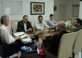 Ricardo REUNIAO NATURA foto jose marques 2 270x191 - Ricardo discute parceria com ICE para implantação do Escola Cidadã na Paraíba