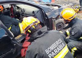 bombeiros busca e salvamento de vitimas 7 270x191 - Bombeiros passam por curso de busca e salvamento de vítimas