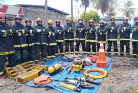 equipe bombeiros busca e salvamento de vitimas 2 270x183 - Bombeiros passam por curso de busca e salvamento de vítimas