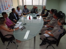 reunião trânsito 270x202 - Polícia e órgãos de trânsito intensificam fiscalização no mês de dezembro