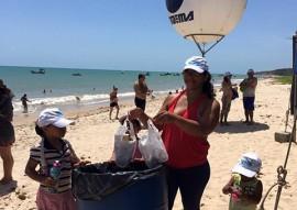 Praia Limpa Verao Rico na Penha 3 270x191 - Projeto Praia Limpa Verão Rico realiza atividades na praia da Penha