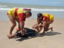 SIMULAÇÃO DE RESGATE CORPO DE BOMBEIROS foto evandro pereira 13 270x202 - Corpo de Bombeiros atende 16.883 ocorrências em toda a Paraíba no ano de 2015