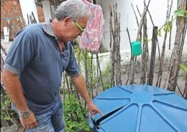 ses e bombeiros fazem acao no conde contra o mosquito foto ricardo pupe 1 270x191 - Governo leva ações de combate ao mosquito Aedes aegypti ao município do Conde