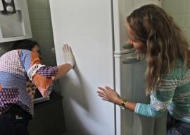ses servidores fazem quinto dia de faxina contra o mosquito do aedes aegypti foto Ricardo Puppe 4 270x191 - Servidores da Saúde fazem quinto Dia de Faxina priorizando depósitos de água de geladeiras e bebedouros