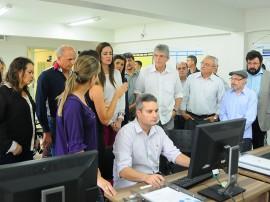 VISITA UEPB José Marques 270x202 - Ricardo visita laboratórios que poderão auxiliar os hospitais de trauma do Estado