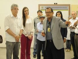 VISITA UFCG1 José Marques 270x202 - Ricardo visita laboratórios que poderão auxiliar os hospitais de trauma do Estado