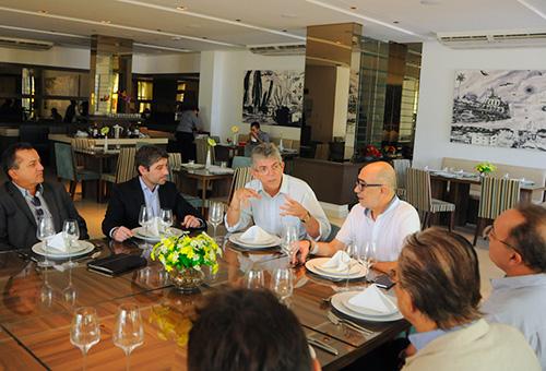 ricardo recebe prefeito portugues_foto jose marques (1)