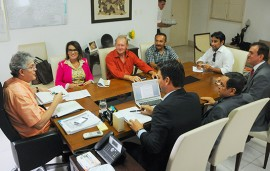 ricardo recebe representantes dos professores foto jose marques 2 270x171 - Ricardo se reúne com representantes do Sintep-PB