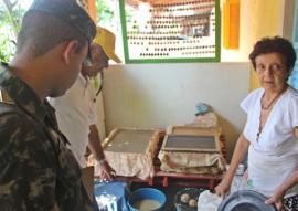 ses moradores elogiam acoes do governo de combate ao mosquito aedes aegypti 2 270x191 - População apoia ações do Governo do Estado para combater o mosquito Aedes aegypti