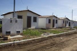 18 03 16 entrega de casas fotos alberi pontes 270x180 - Entrega de casas beneficia mais de 500 moradores em Sousa