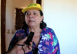 Emilia cehap 270x192 - Entrega de casas beneficia mais de 500 moradores em Sousa