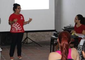 Laura Moreno abrindo formação continuada 270x192 - Cearte realiza formação continuada de professores para atender alunos com deficiência