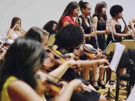 prima meninas 270x202 - Alunas do Prima se apresentam com Flávia Wenceslau em homenagem ao Dia da Mulher