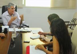 ricardo concede entrevista a jornalistas americano foto jose marques 4 270x191 - Ricardo concede entrevista ao jornal Los Angeles Times sobre microcefalia