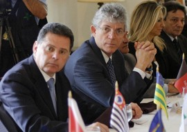 ricardo encontro de governadores distrito federal 7 270x191 - Ricardo participa de reunião do Fórum Permanente de Governadores, em Brasília