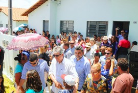 ricardo entrega casas em patos foto jose marques 9 270x183 - Ricardo entrega residencial que beneficia mais de 700 famílias em Patos