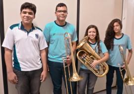 see alunos da rede estadual entram em curso da extensao de musica da ufpb foto Fabíola Bessa 1 270x191 - Alunos da rede estadual fazem curso de extensão em música da UFPB