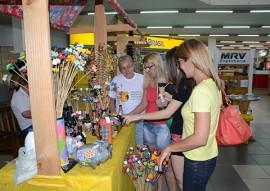 semana do artesao shopping sul artesanato foto walter rafael 2 270x191 - Governo comemora Semana do Artesão com exposição em shopping da Zona Sul em João Pessoa