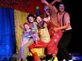 Caminhão de palhaços1 1 270x202 - Projeto Interatos de maio apresenta espetáculos de teatro, dança e circo