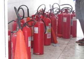 bombeiros incendio hospital sao vicente de paula 1 270x191 - Soldado do Corpo de Bombeiros combate incêndio em hospital da Capital