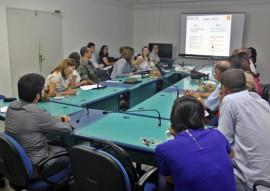 ses comite de combate contra zika chikungunya dengue na paraiba foto ricardo puppe 1 270x191 - Comitê discute ações de enfrentamento da dengue, zika e chikungunya na Paraíba