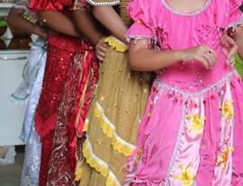 FOTOS CIGANOS 1 270x207 - Governo do Estado disponibiliza na internet orientação de ensino para povo cigano