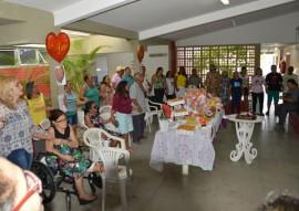 NAE Cl udiaBelmont6 270x191 - Usuários do Núcleo de Acolhida Especial comemoram Dia das Mães