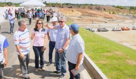 VISITA OBRAS VIADUTO1  270x158 - Ricardo inspeciona obras do Viaduto do Geisel, inaugura ruas em Sobrado e UPS em Santa Rita