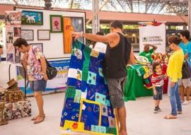 feirinha abril6 foto thercles silva 270x191 - Feirinha de Domingo tem artesanato, variedades e atrações para crianças no Espaço Cultural