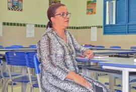 mãe de aluno Idelma Bernardes 270x183 - Alunos e pais aprovam modalidade de ensino das Escolas Cidadãs Integrais