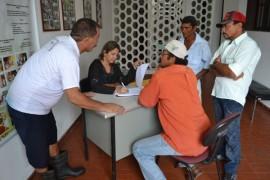 pis642 270x180 - Governo do Estado entrega 30 mil peixes a produtores rurais de Areia