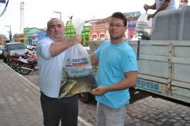 pis651 270x180 - Governo do Estado entrega 30 mil peixes a produtores rurais de Areia