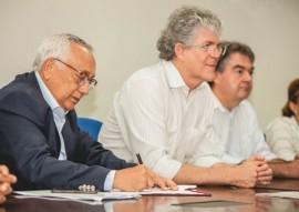 ricardo assinatura do termo de compromisso das escolas tecnicas fnde foto max brito 23 270x191 - Ricardo assina termo com FNDE que garante a construção de mais seis escolas técnicas na Paraíba