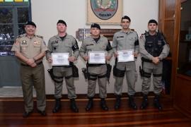 DSC 3678 270x180 - Policiais militares recebem comenda na Capital