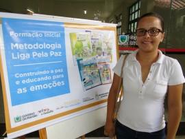 Debora da Silva Ferreira portal 270x202 - Governo do Estado realiza formação na metodologia Liga pela Paz em mais cinco regionais de educação