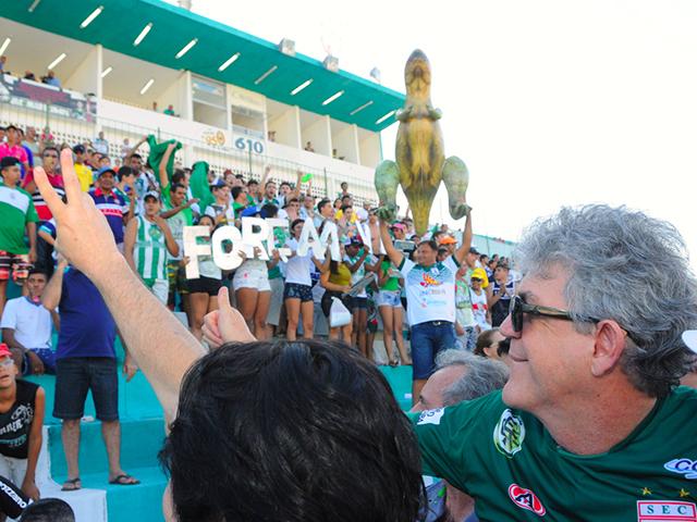 """SOUSA. portal - Ricardo entrega reforma do Estádio """"O Marizão"""" em Sousa"""