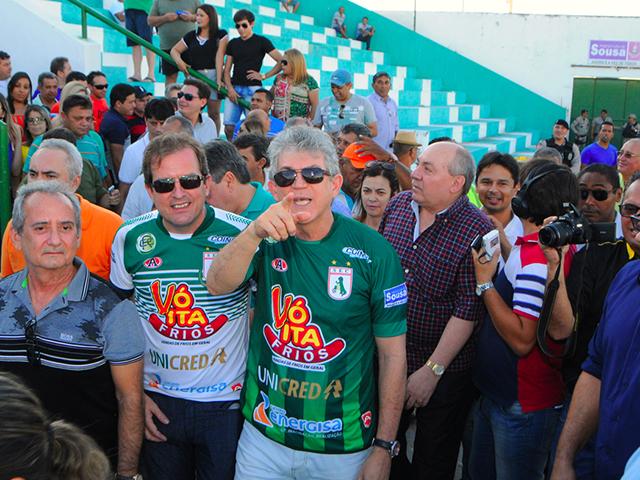 """SOUSA5 portal - Ricardo entrega reforma do Estádio """"O Marizão"""" em Sousa"""