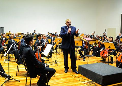 consul argentino fala foto walter rafael - Ricardo se reúne com cônsul da Argentina no Concerto Binacional Argentina/Brasil