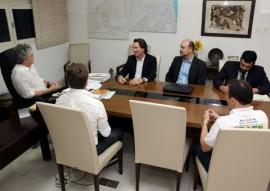 ricardo com representantes do mma foto francisco frança 5 270x191 - Ricardo discute avanços na área hídrica e do meio ambiente com representantes do Governo Federal