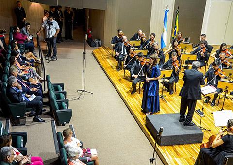 ricardo e consulado assiste concerto foto walter rafael - Ricardo se reúne com cônsul da Argentina no Concerto Binacional Argentina/Brasil