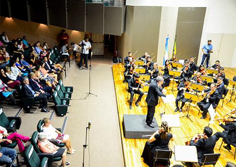 ricardo e maestro argentino foto walter rafael - Ricardo se reúne com cônsul da Argentina no Concerto Binacional Argentina/Brasil