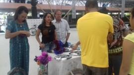 Artesão3 270x151 - Artesãos capacitados no Caps Jovem Cidadão participam de feira de artesanato no Espaço Cultural