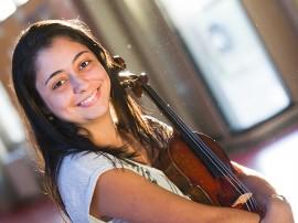 Gabriela Queiroz 1 portal 270x202 - Orquestra Sinfônica da Paraíba se apresenta nesta quinta-feira com premiada violinista Gabriela Queiroz
