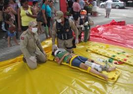 bombeiro simulacao de salvamento veicular 5 270x191 - Bombeiros fazem demonstração de salvamento veicular e orientam população