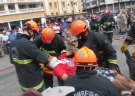 bombeiro simulacao de salvamento veicular 6 270x191 - Bombeiros fazem demonstração de salvamento veicular e orientam população