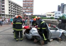 bombeiro simulacao de salvamento veicular 7 270x191 - Bombeiros fazem demonstração de salvamento veicular e orientam população