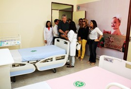 pombal hospital foto francisco frança secom pb 7 270x183 - Ricardo entrega reforma do Hospital Regional e pavimentação de ruas e libera créditos em Pombal