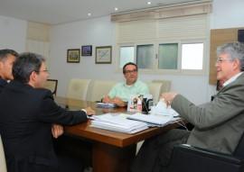 ricardo reuniao com BNB foto jose marques 1 270x191 - Ricardo discute parceria com BNB para ampliação do uso de energia solar no Estado