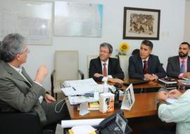 ricardo reuniao com BNB foto jose marques 2 270x191 - Ricardo discute parceria com BNB para ampliação do uso de energia solar no Estado