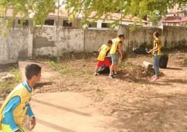see acao na escola almirante tamandare 7 270x191 - Escola Estadual Almirante Tamandaré recebe ações do Programa Mãos que Ajudam